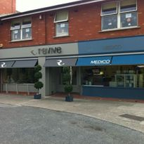 AWNINGS & CAFÉ BARRIERS